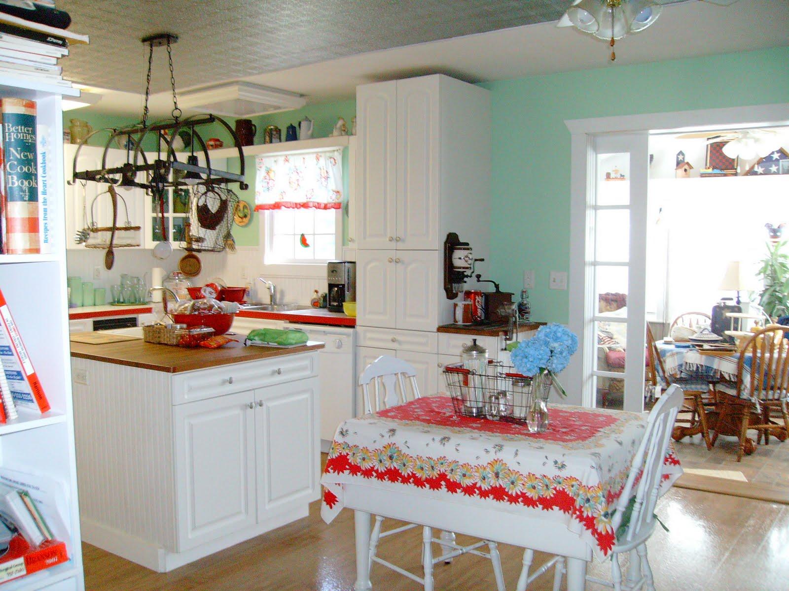 Sharon 39 S Wannabe Cottage A Peek At My Cute Vintage Style Kitchen
