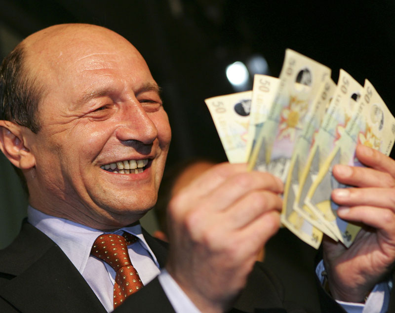 basescu si banii