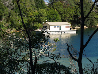 Manly Scenic Walk - House Boat