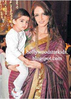 Hrithik S Sons Hridhaan L And Hrehaan Roshan R Sussanne With Second Son At Laila Khan Wedding