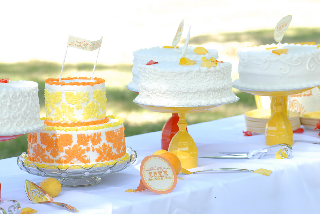 DIY Tutorial How to make your own Cake or Cupcake Stand. Starla s blog  Ashley and Jon 39s wedding cake was decorated with