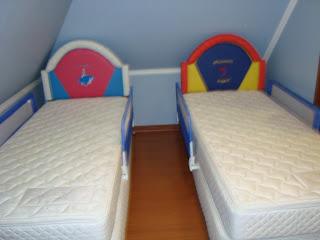 Sillones baules camas y respaldos infantiles for Medidas camas americanas