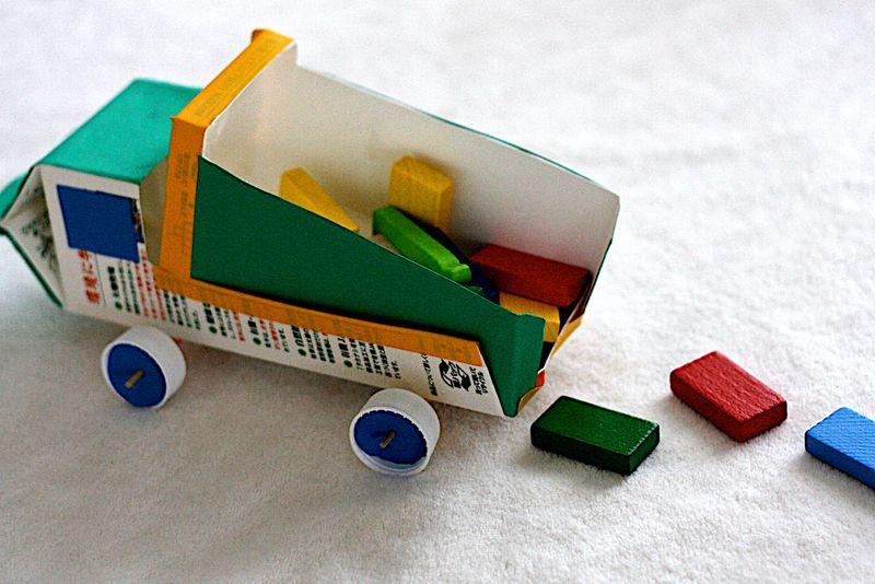 Поделка из бросового материала из коробки