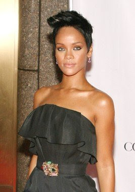 http://2.bp.blogspot.com/_vMzSFyWQj_w/SryO82yw7WI/AAAAAAAAB_Q/i7f4BhE_c14/s400/Short+hairstyle+from+Rihanna+2010.jpg