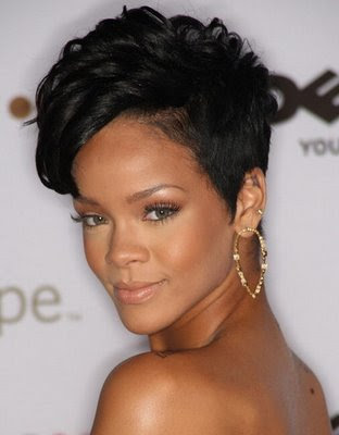 Short hair looks great on Rihanna. Well, anything looks good on her.