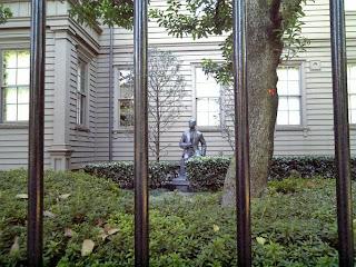statue of Rentaro Taki