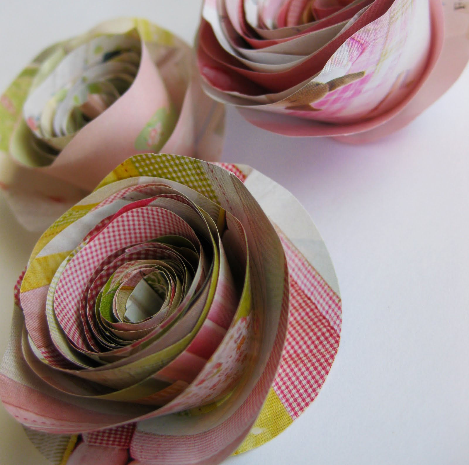 Frugal Life Project Cute Rolled Paper Flowers Made From Magazine Pages