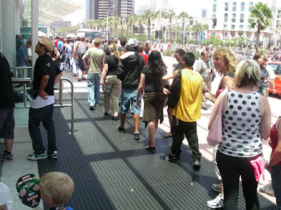 Comic Con line to get in