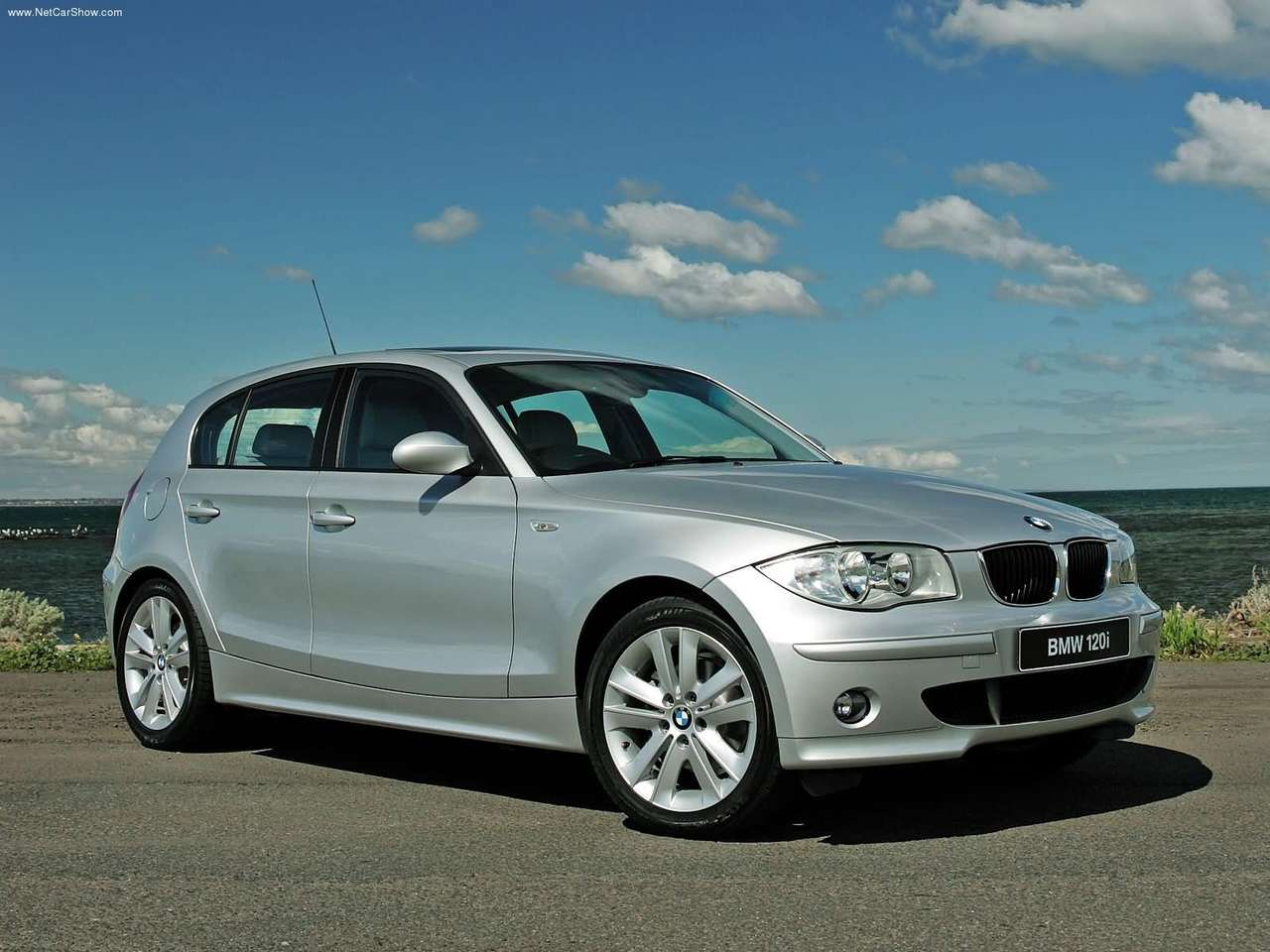 BMW - Auto twenty-first century: 2005 BMW 120i UK Version