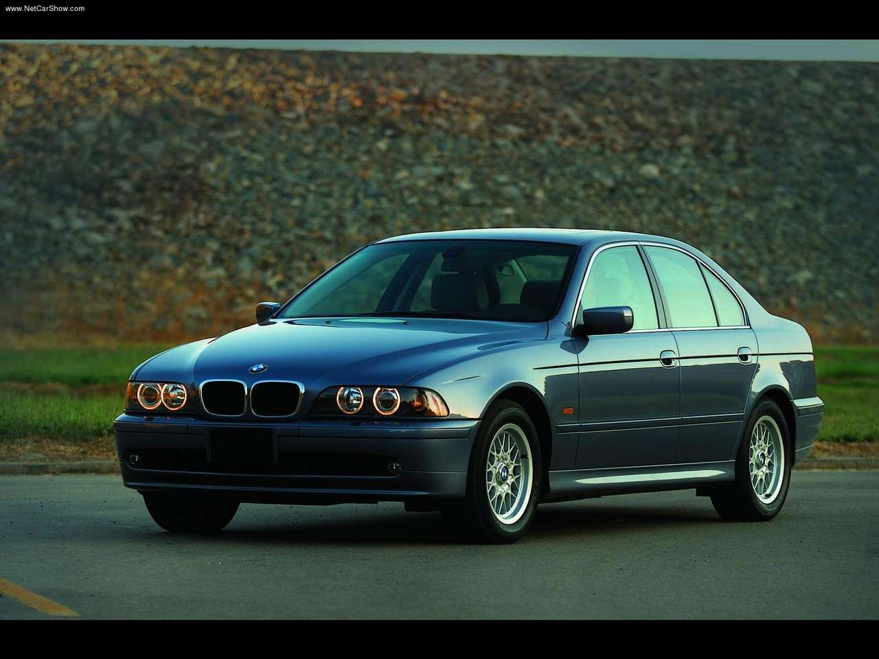 http://2.bp.blogspot.com/_vPMjJG-enrk/TBTjF4V8EmI/AAAAAAAADHk/HupHik1vxJ8/s1600/BMW-525i_2001_1280x960_wallpaper_03.jpg