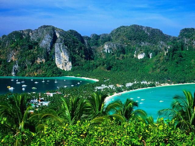 Discover Thailands White Beaches: Koh Phi Phi Island ...