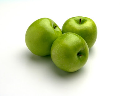 For example, if you want to make apple fruit enzyme, buy some green apples