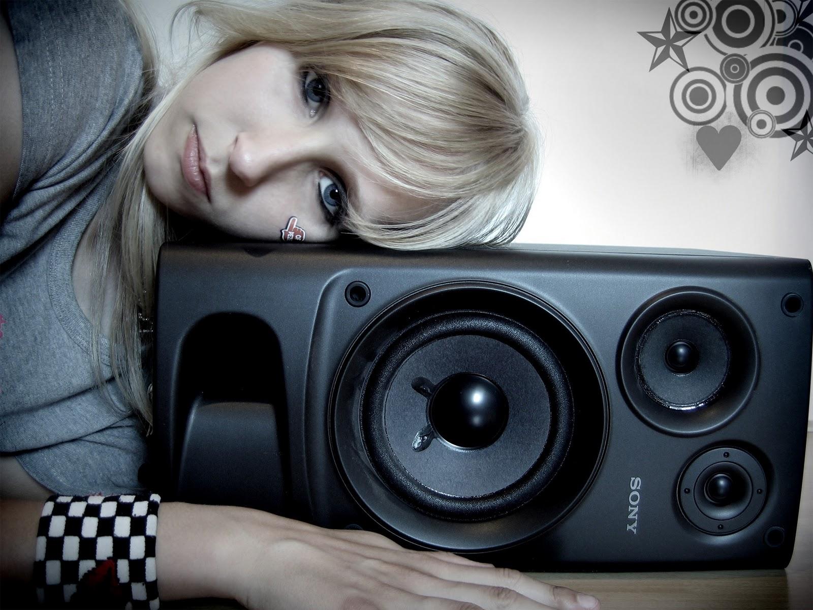 http://2.bp.blogspot.com/_vTQcDXfTeUo/TMcf11pY79I/AAAAAAAAAOg/IqKTuxwWSdw/s1600/i_love_my_music-1920x1440.jpg