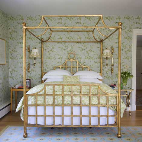 Elegant Queen Size Beds With Metal And Wood And Flowers