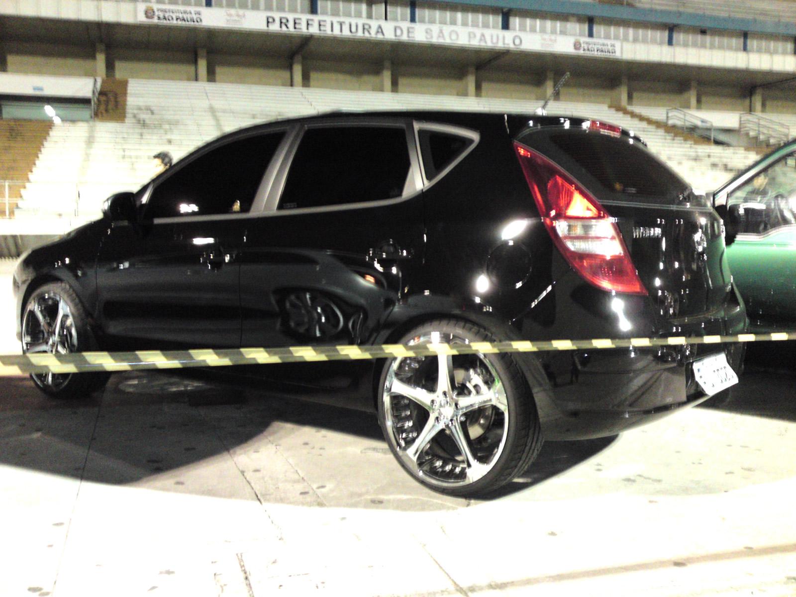 http://2.bp.blogspot.com/_vY3COZl9LT8/TNSGQenSmQI/AAAAAAAAFrc/HswAH0GjJuw/s1600/Hyundai+-+I30+rodas+Cromadas.JPG
