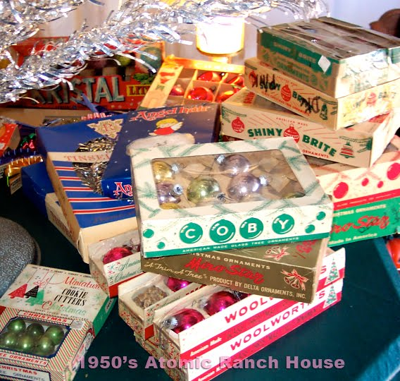 1950s atomic ranch house more 1950s atomic ranch house christmas decorations - Vintage Christmas Decorations 1950s