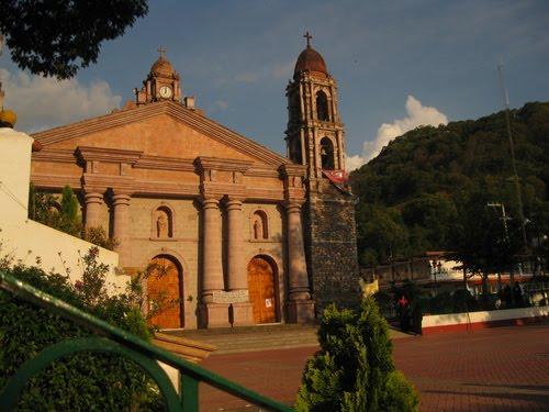 Iglesia y Plaza de Temascaltepec