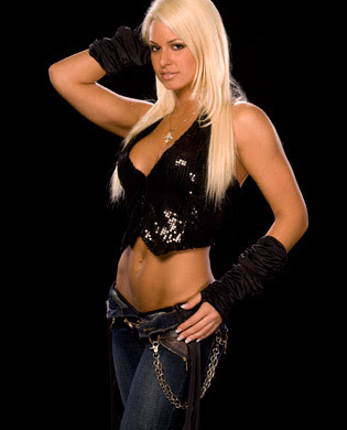 Camerino de la Bella Mickie James Maryse