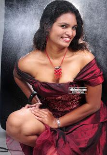 Sneha Priya Very Hot Boobs