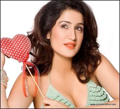 Sagarika Ghatge Spicy Photos ~ Star Bollywood Kickass