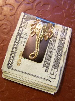 Elefántos pénzcsipesz