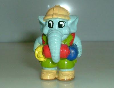 Színes, kinderhez hasonlító elefánt