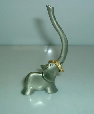 Gyűrű tartó elefánt
