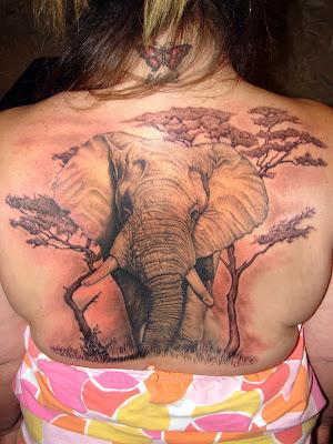 Még egy pár elefántos tetoválás
