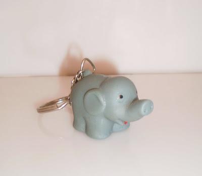 Elefántos kulcstartó gumiból