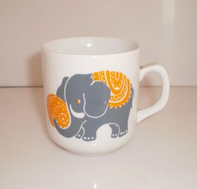 Elefántos bögre