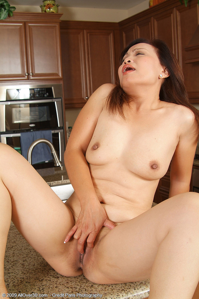 nude asian women masturbating