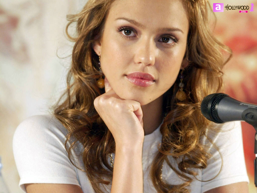 http://2.bp.blogspot.com/_v_JOs7LBOIk/TQzb6GDG1hI/AAAAAAAAAtE/u6biF7cd1Uw/s1600/Jessica-Alba-46-copy.jpg