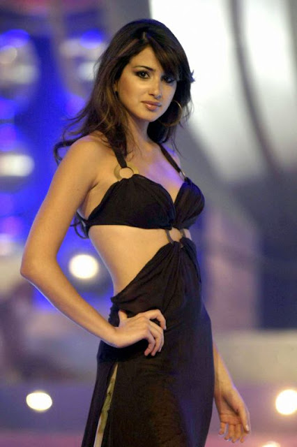 Beautiful Arab Girls bikini photos
