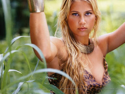Anna Kournikova Sexy Photos