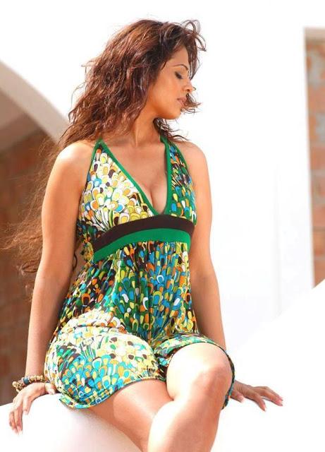 Sizzling Anjana Sukhani hotted photos