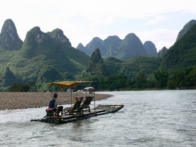 riviere Li en radeau de bambou