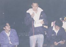 en la presentacion del libro de poesia RADIOZONO en la Bodeguita del Centro (Guatemala,2000)