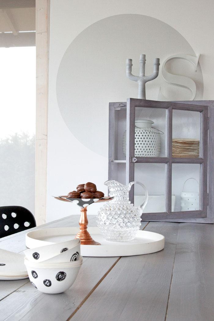 Decoratie tip cirkel op je muur villa d 39 esta interieur en wonen - Hoe kleed je een witte muur ...
