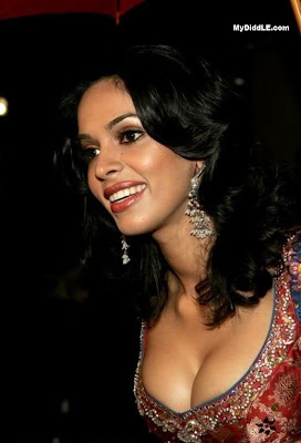 Mallika Sherawat From Bikini To The Veli!