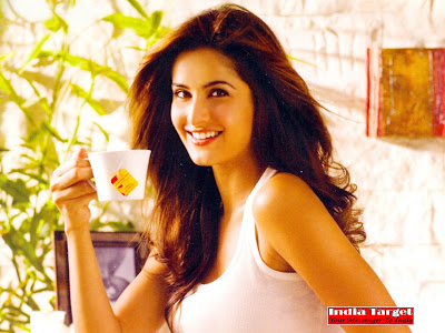katrina kaif new wallpapers. Katrina Kaif Latest Wallpapers