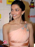 Deepika Padukone Filmfare Awards Pictures5
