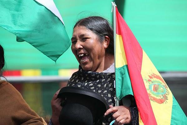 Firma de la Nueva Constitución de Bolivia