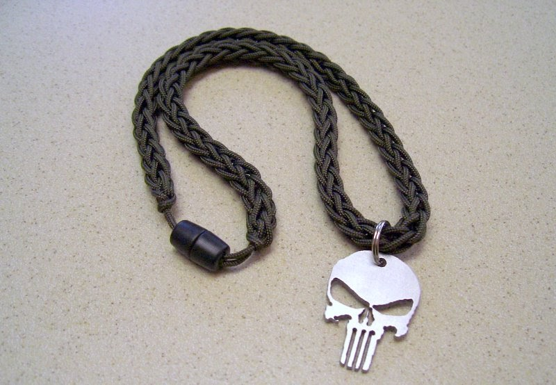 Stormdrane 39 s blog spool knit 39 type i 39 paracord necklace for How to make a paracord lanyard necklace