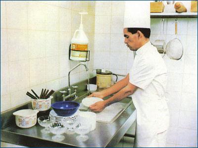 Pomme p che 06 29 10 for Manual de limpieza y desinfeccion para una cocina