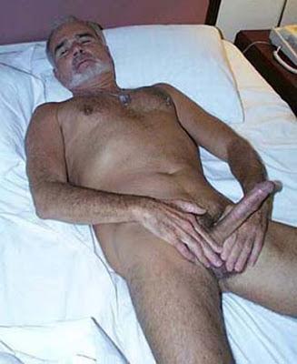 postado por oldermen às 15 06 marcadores homens deitados pelados