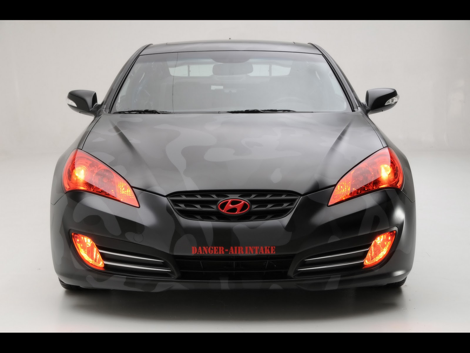 http://2.bp.blogspot.com/_viCh1SFyGrA/TOq8tyHjcHI/AAAAAAAAAHU/k-X13u5ZS9E/s1600/2010-Hyundai-Street-Concepts-Genesis-Coupe-Front-1920x1440.jpg