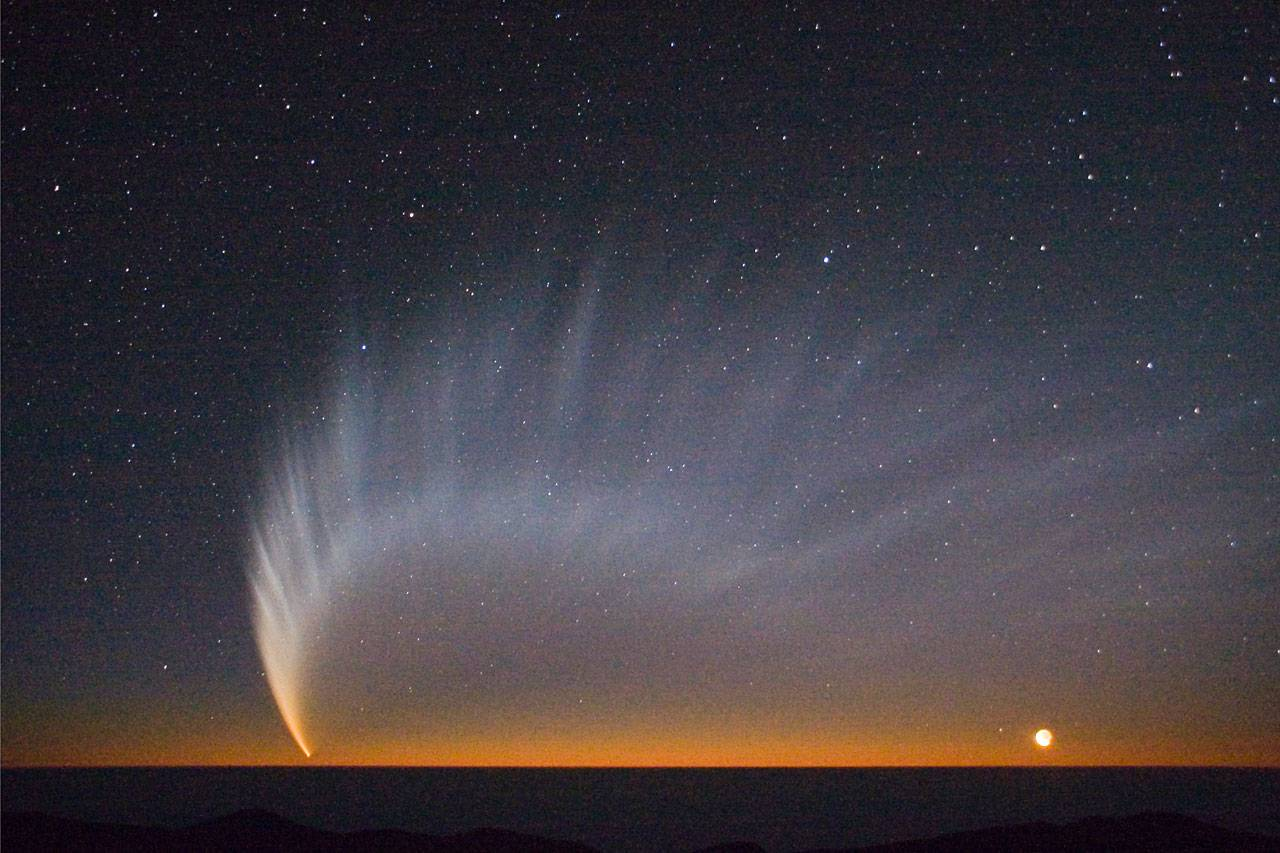 Comet McNaught Wallpaper Desktop HD