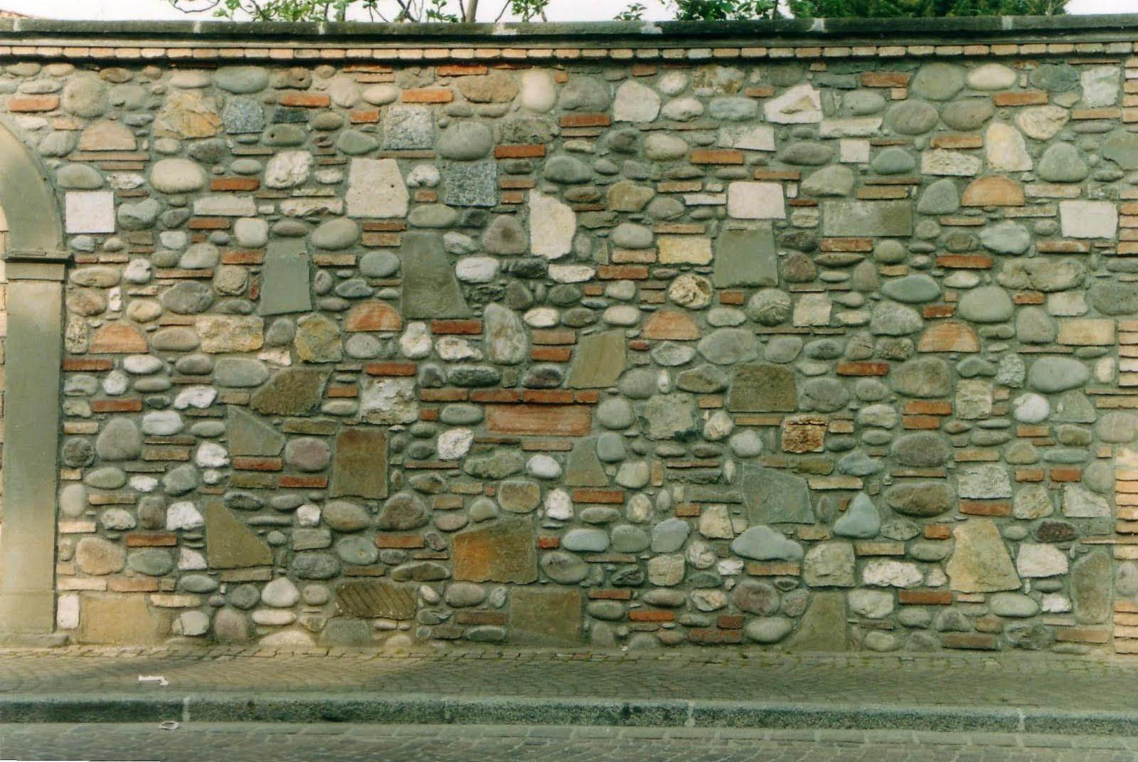 Tende per muri in pietra tutte le immagini per la for Esterni in pietra per le case