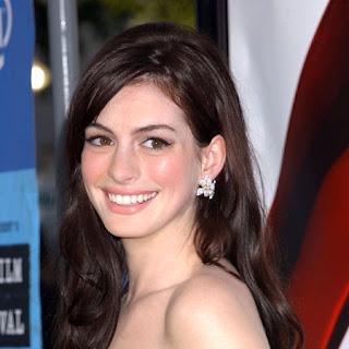 Anne Hathaway mulher gato