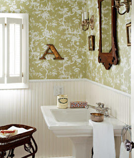 Frugal and Vintage: Lovely Vintage Bathroom Decor